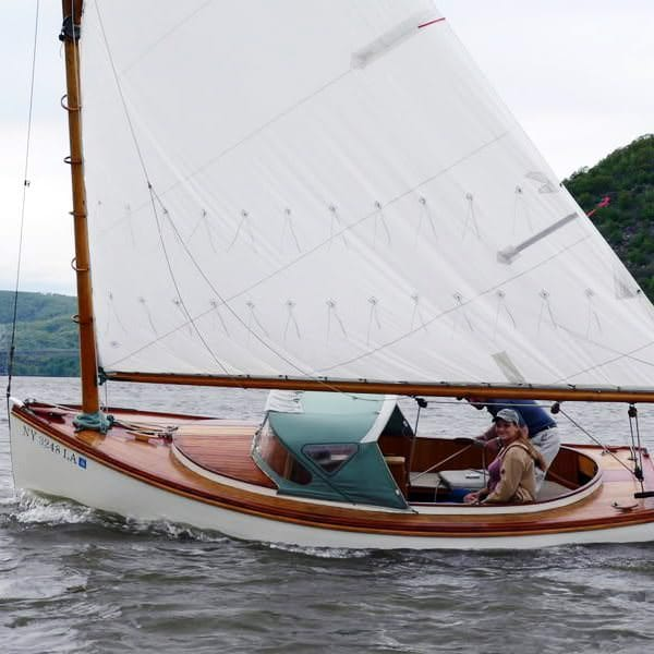 meet seiling singles Sailing singles was founded in 1980 to provide single adults with educational activities to develop sailing skills, water safety, and to.